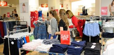 Літній розпродаж - знижки до -70%!